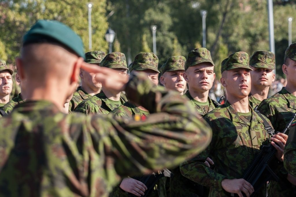 Reinstatement of Lithuanian citizenship and service in Lithuanian armed forces. Military service in Lithuania